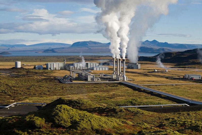 Геотермальная станция в Исландии