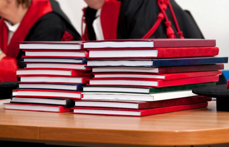 Согласно требованиям к написанию кандидатской диссертации вак 2017, диссертация не может быть допущена к защите без публикаций в специализированных изданиях