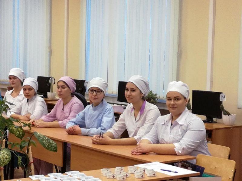 Считается, что студенты медицинских вузов за границей в будущем быстро окупят свои капиталовложения. Поэтому для таких специальностей выдается мало грантов