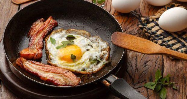 Приготовление яичницы не потребует много времени, а пользу вы будете ощущать еще долго