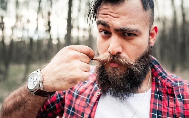 начал отращивать бороду