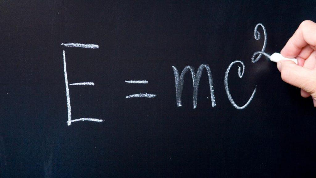 Релятивистская механика