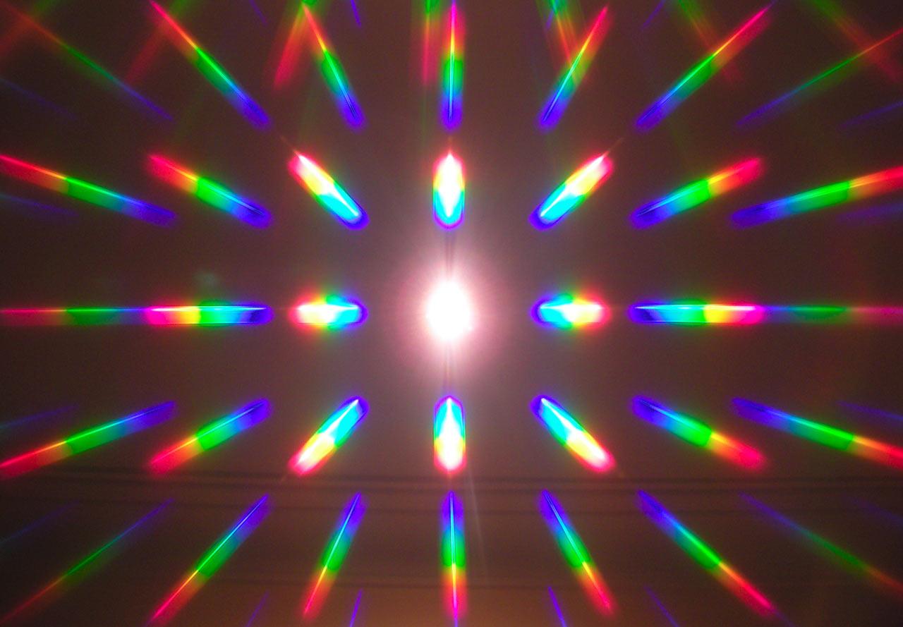 Дифракционная решетка на лазер