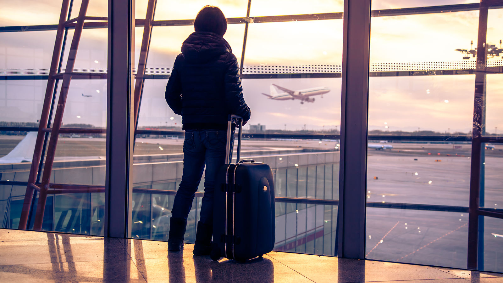 как уехать за границу работать