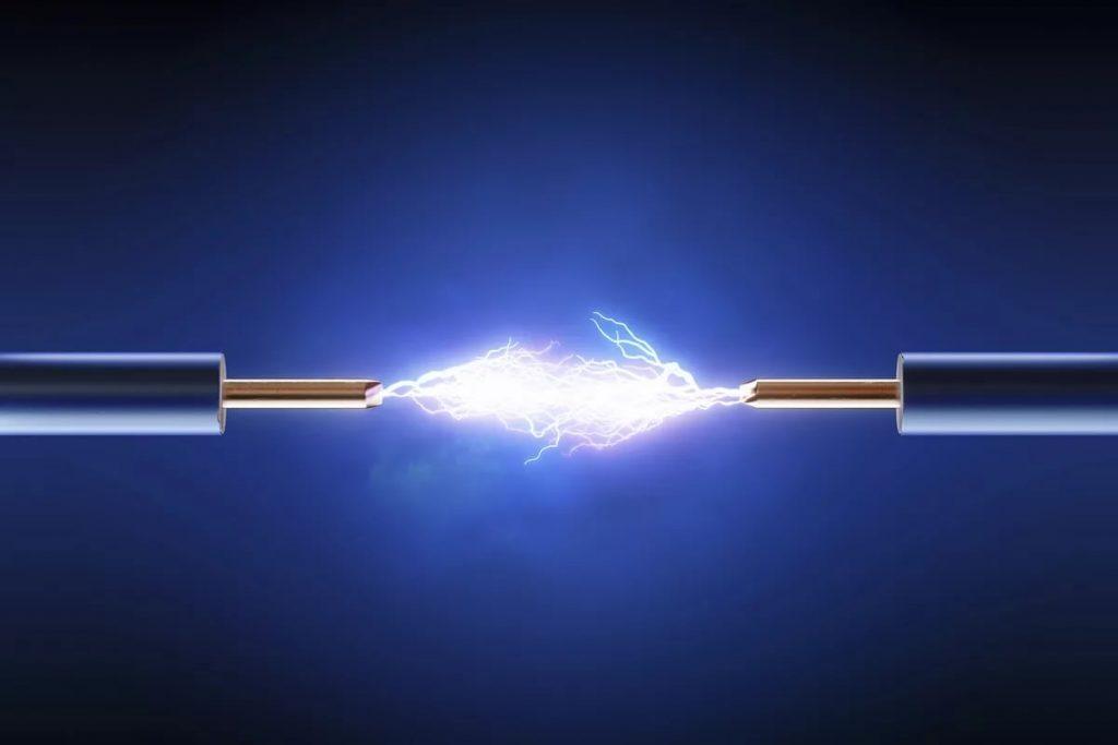 природа молнии физика