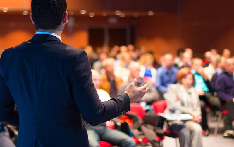 Самое главное здесь – принимать непосредственное участие, чтобы получить максимальную обратную связь и честный отклик на работу